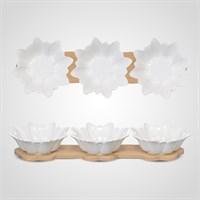 Набор из Трех Фарфоровых Пиалок на Деревянной Подставке